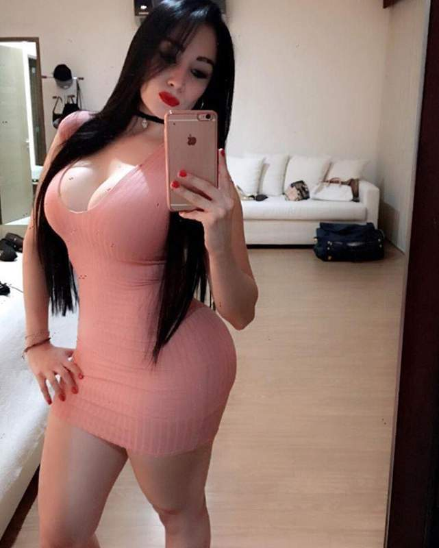Piccadily Royal Escorts Service-07500099324-Model Call Girl